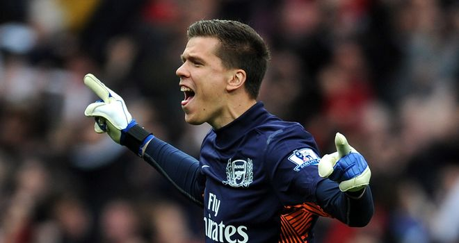Wojciech Szczesny: Says Arsenal's first target is to get back in the top four