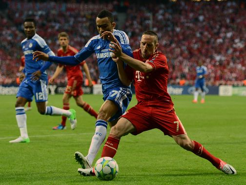 Bosingwa and Ribery battle for possession.