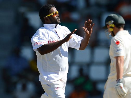Narsingh Deonarine: Picked up four wickets