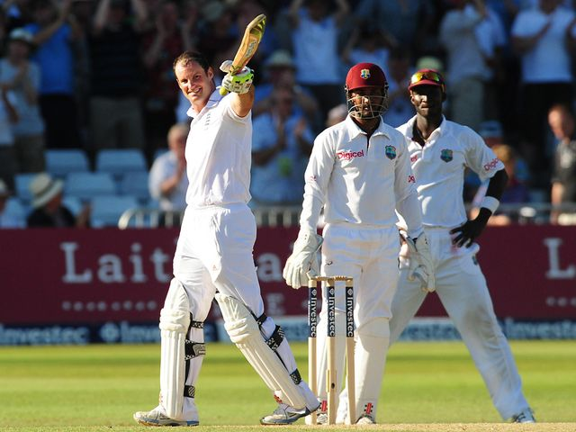 Strauss celebrates his Trent Bridge ton