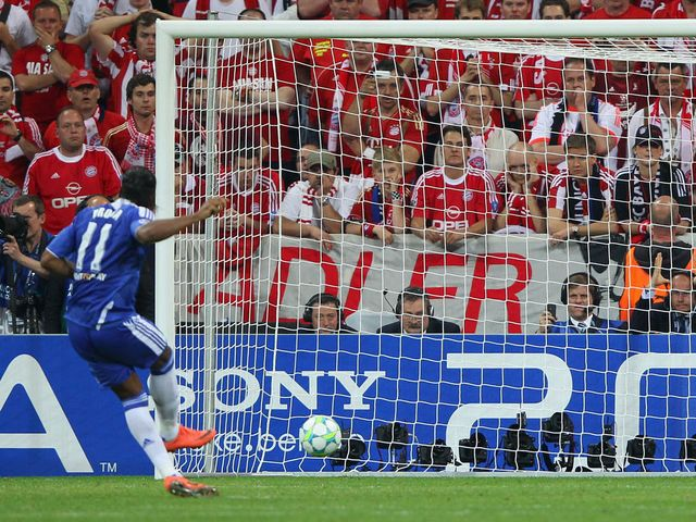 Didier Drogba scores Chelsea's winning penalty.