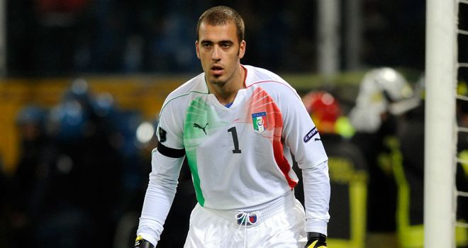 Emiliano Viviano: Palermo have confirmed that the goalkeeper will join Arsenal on loan