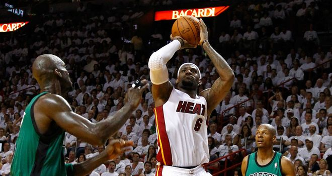 LeBron James: Landed 32 points for the Heat
