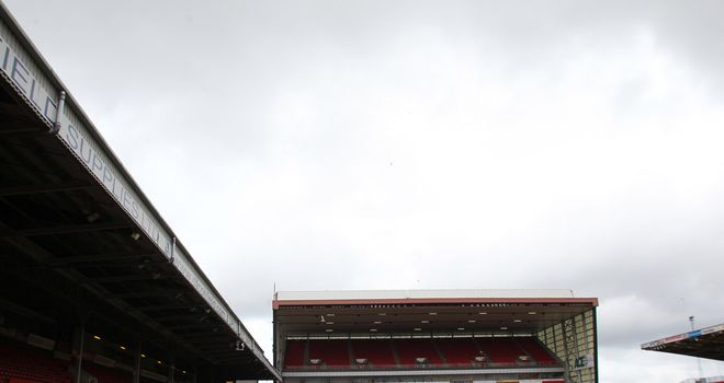 Aberdeen chairman Stewart Milne says the club has not yet decided which way to vote