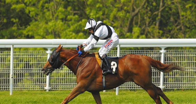 Hayley Turner partnered Primaeval to a convincing success at Goodwood
