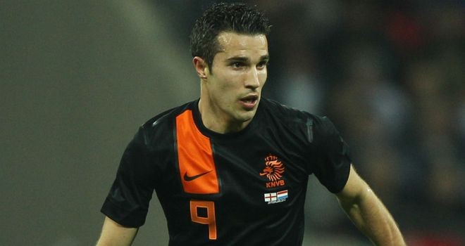 Robin van Persie: New warning over money