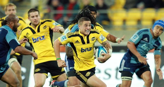 TJ Perenara: Fractured his ankle