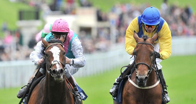 Model Pupil and Mickdaam battled out the finish to the Chester Vase