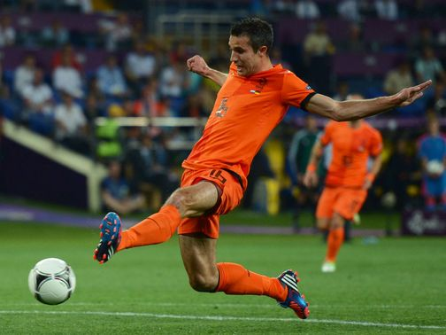 Robin van Persie: Thigh injury