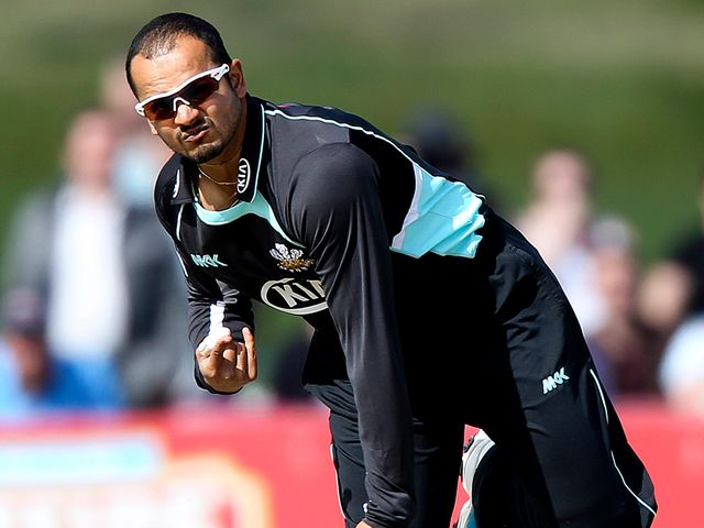 Murali Kartik: Took three wickets for Surrey