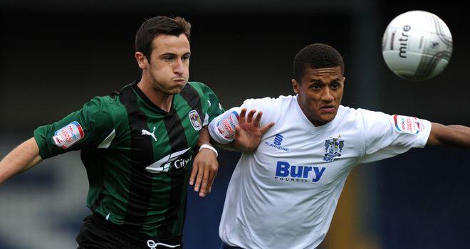 Andrai Jones (r): Signs on a free transfer