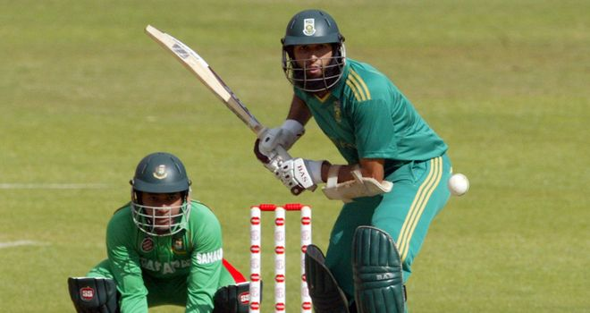 Hashim Amla: hit an unbeaten 88 that included three sixes and nine fours