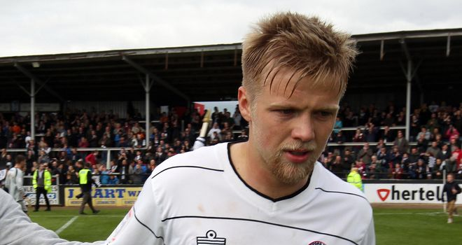 Nicky Featherstone: Pens Saddlers extension
