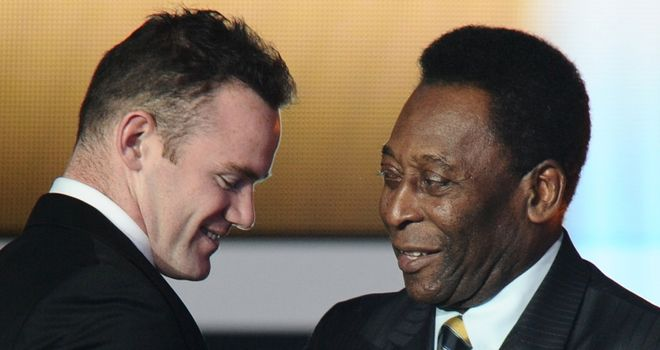 Pele: Released from hospital after undergoing hip surgery