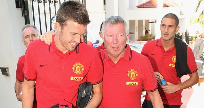 Michael Carrick: Sad dressing room over Ferguson's exit