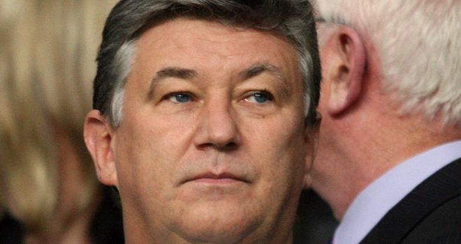 Peter Lawwell: Will vote for league reconstruction