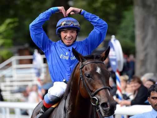 Frankie Dettori knows how to please the crowd