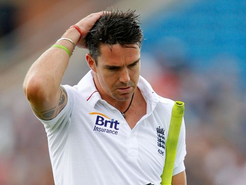 Kevin Pietersen: Sent &#39;provocative&#39; text messages