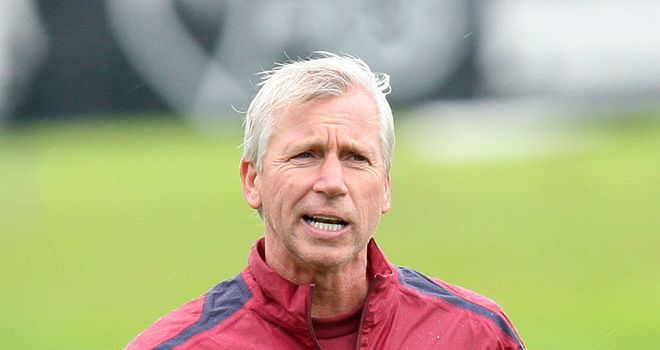 Alan Pardew: Lining up a move for a new defender after Ryan Taylor's injury