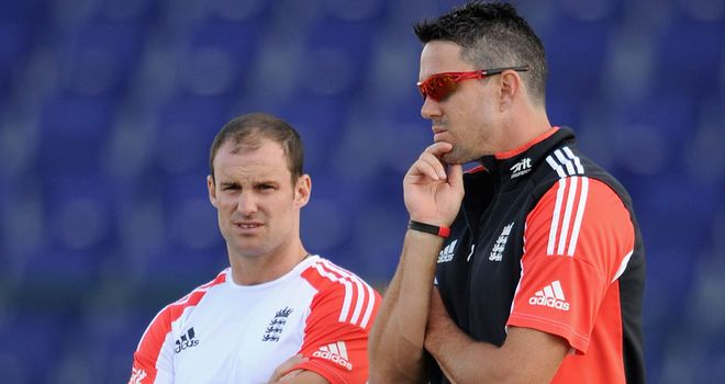 Can Strauss (L) and Pietersen get back on the same page?