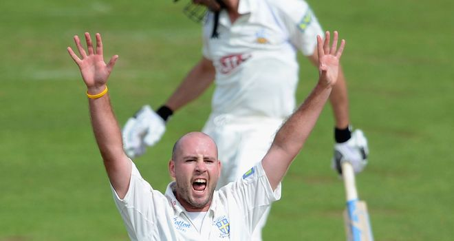 Chris Rushworth: Taking on Warwickshire in Abu Dhabi