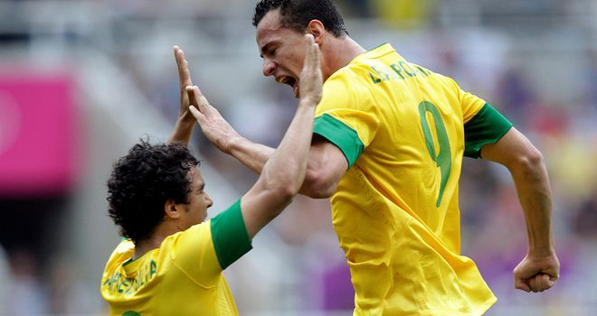 Leandro Damiao: Subject of enquiry from Napoli