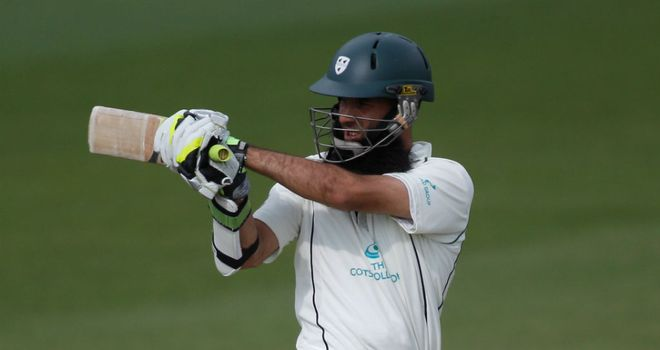 Moeen Ali: New long-term deal for Worcestershire stalwart
