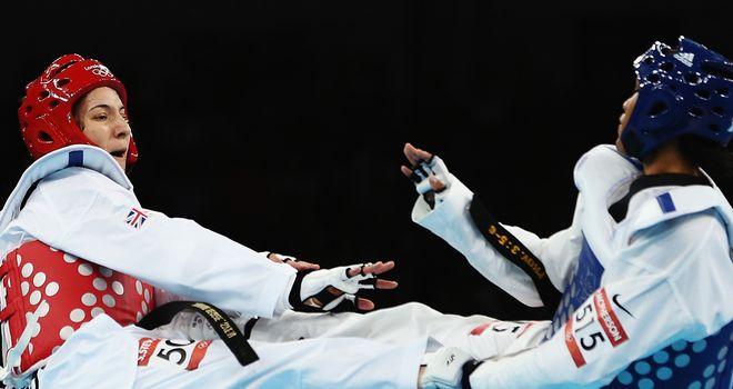 Sarah Stevenson (L): First round defeat