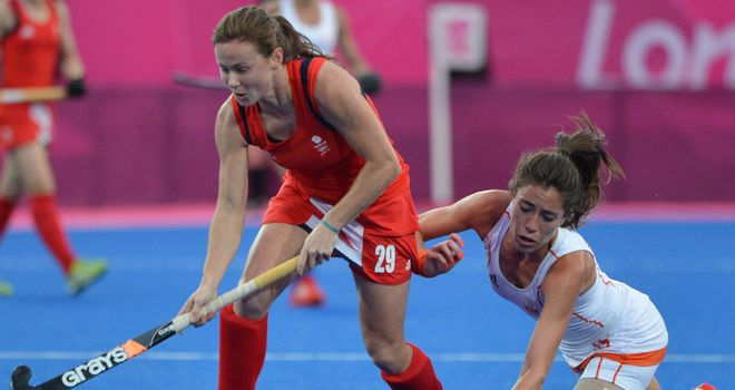 Sarah Thomas goes forward for Team GB against the Netherlands