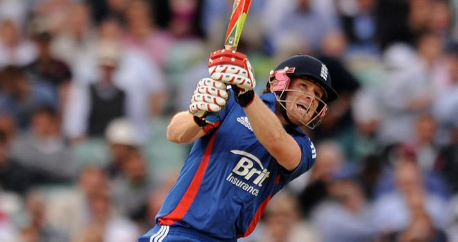 Eoin Morgan: struck five fours and two sixes in his unbeaten 26-ball 49