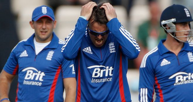 "Graeme Swann: Admits England ""had a shocker"" against India"