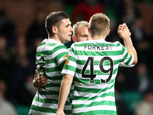 Gary Hooper celebrates for Celtic