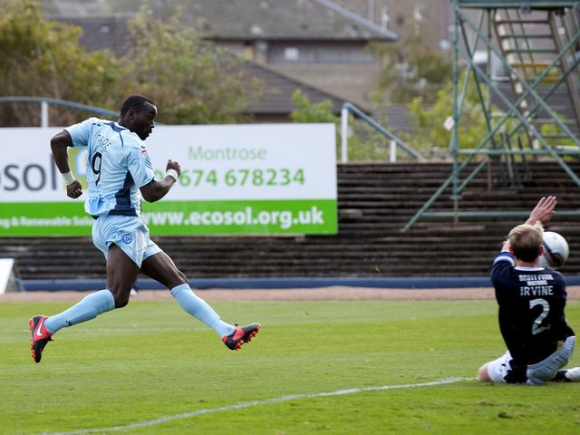 Gregory Tade scores for St Johnstone