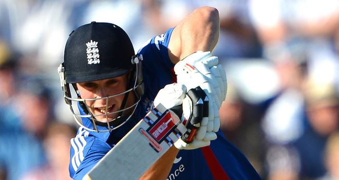 Chris Woakes: Winter move to Wellington