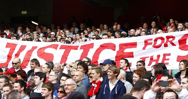 Liverpool fans campaign for 'Justice for the 96'