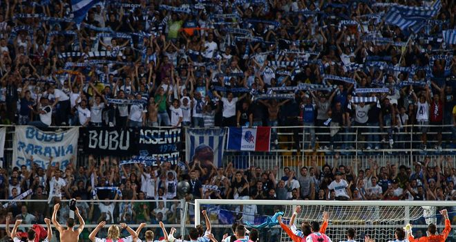 Pescara celebrate against Palermo