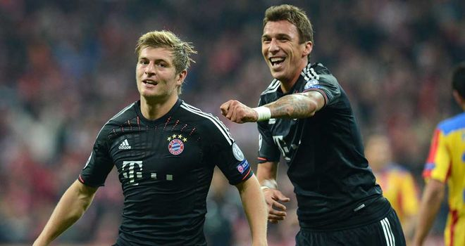 Toni Kroos celebrates his goal for Bayern Munich in the win over Valencia