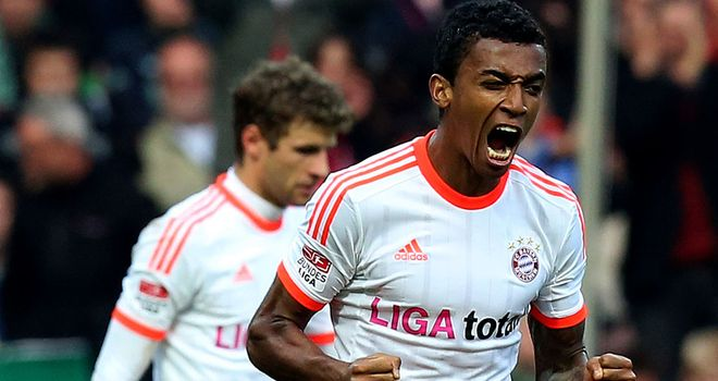 Luiz Gustavo opened the scoring for Bayern
