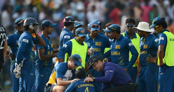 Akila Dananjaya: Sri Lanka spinner hit in the face by Rob Nicol&#39;s drive