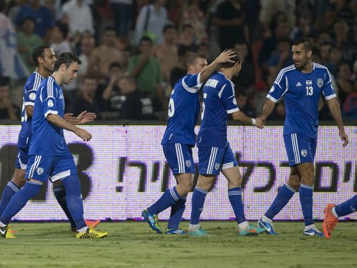 Israel celebrate against Luxembourg