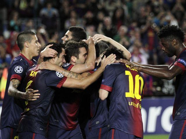 Barcelona celebrate Jordi Alba's last-gasp winner