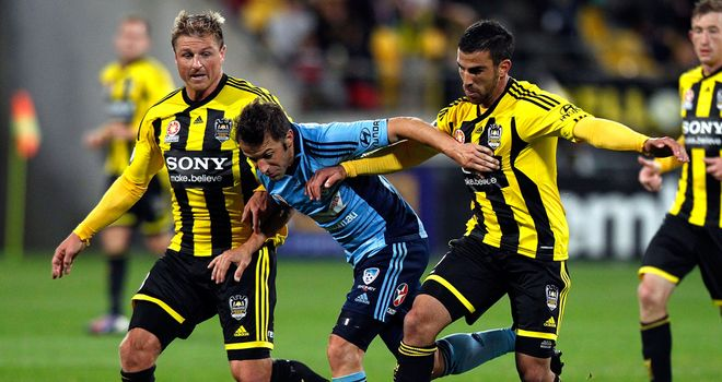 Alessandro Del Piero is determined to stay and help Sydney FC do well