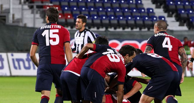 Cagliari celebrate against Siena