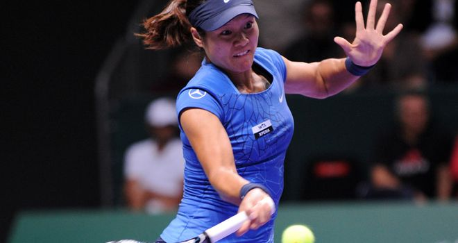Li Na: Straight-sets win in Turkey