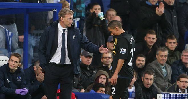 Pienaar: consoled by Moyes after red card