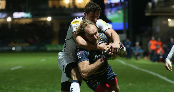 Worcester's Andy Goode goes over for the match-winning try