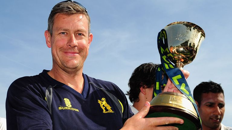 Ashley Giles: Won Division One trophy with Warwickshire last year