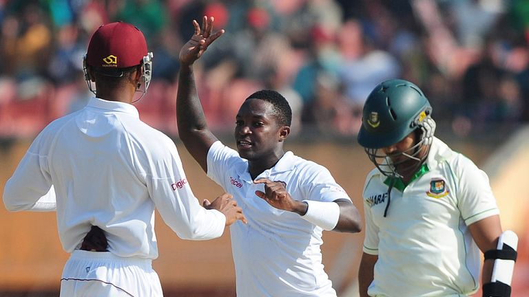 Fast bowler Fidel Edwards removed opener Nazimuddin with the score on five.
