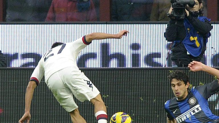 Marco Sau scores his and Cagliari's second goal