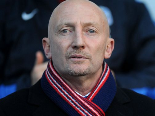 Ian Holloway: Unhappy with reaction of Blackpool bench